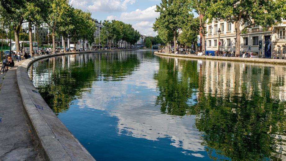 Embark on a cruise on the Canal Saint Martin