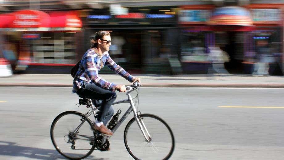 Exploring Paris by bike is even more fun