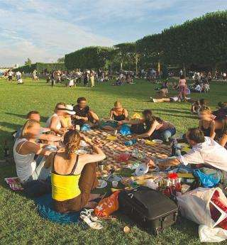 A pastoral picnic in the heart of the capital