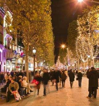 Les fêtes de noël prennent vie à Paris