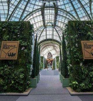 Vivez la Biennale des Antiquaires et le Salon de l'Auto à Paris