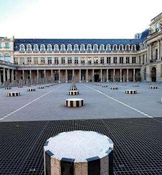 Les colonnes de Buren, un des symboles de Paris