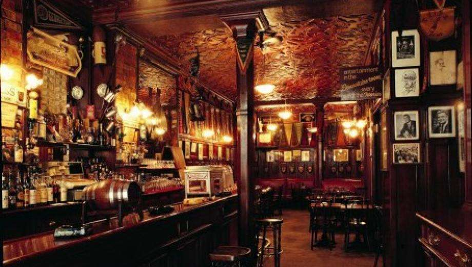 After the Tintin exhibition at the Grand Palais, discover the evening delights of Harry's New York Bar
